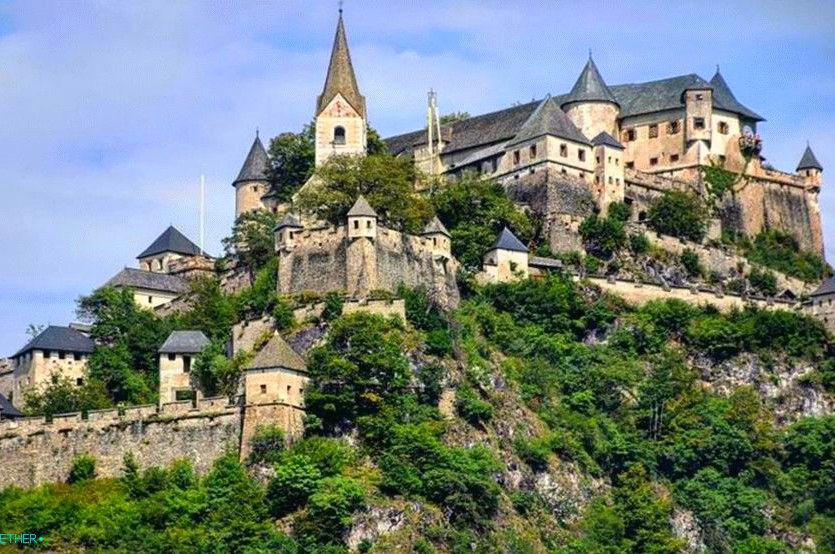Holidays in Klagenfurt and Lake Worthersee, Austria - Hohosterwitz castle