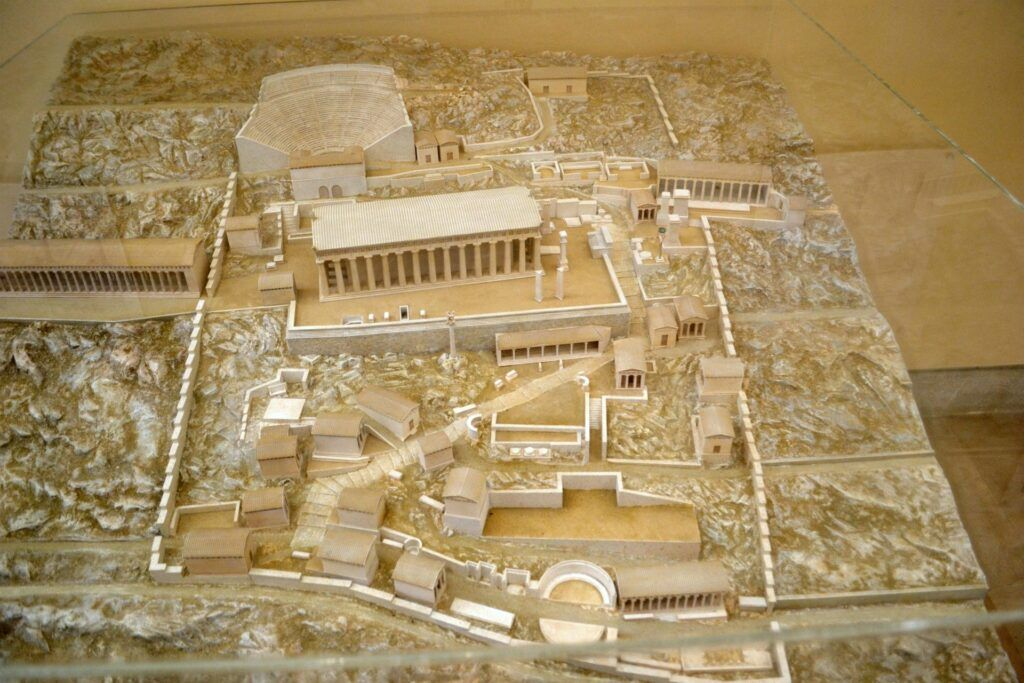 The archaelogical museum of Delphi and top things to do in the area