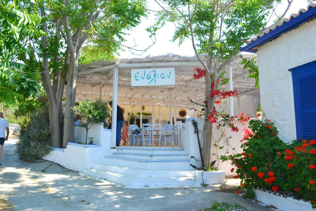 Family holidays in Hydra. Enalion restaurant