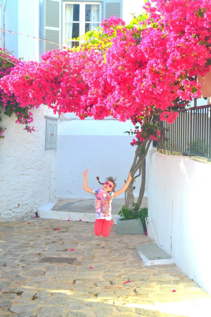 Family holidays in Hydra with kids. Photoshooting time under the bougainvillea