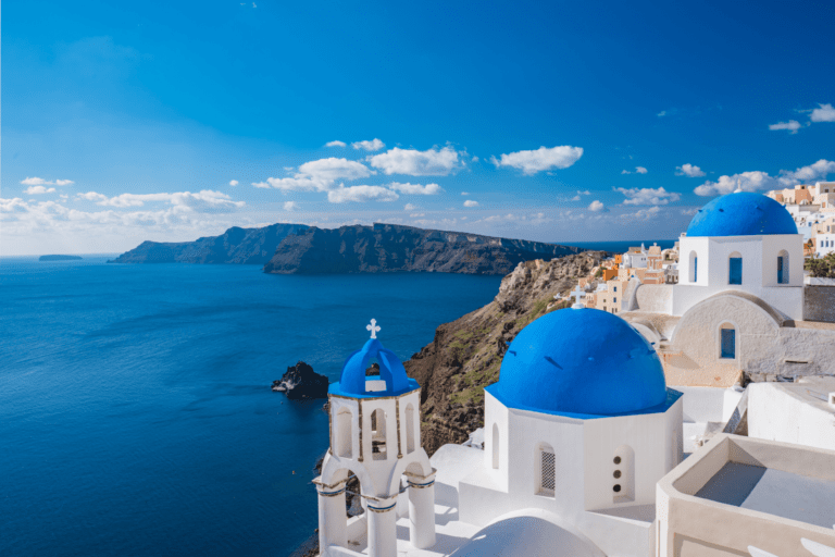 The best islands you can visit during your trip to Greece