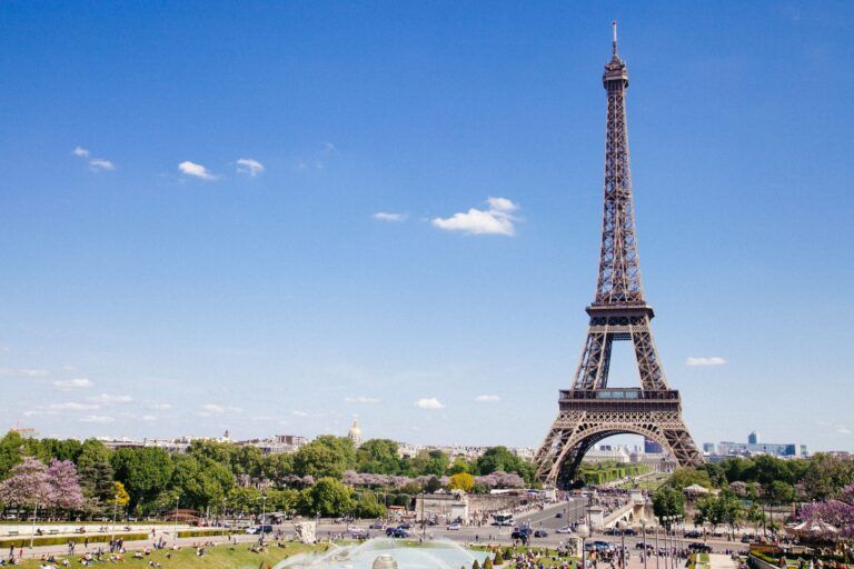 Visiting Paris and the Eiffel Tower with kids