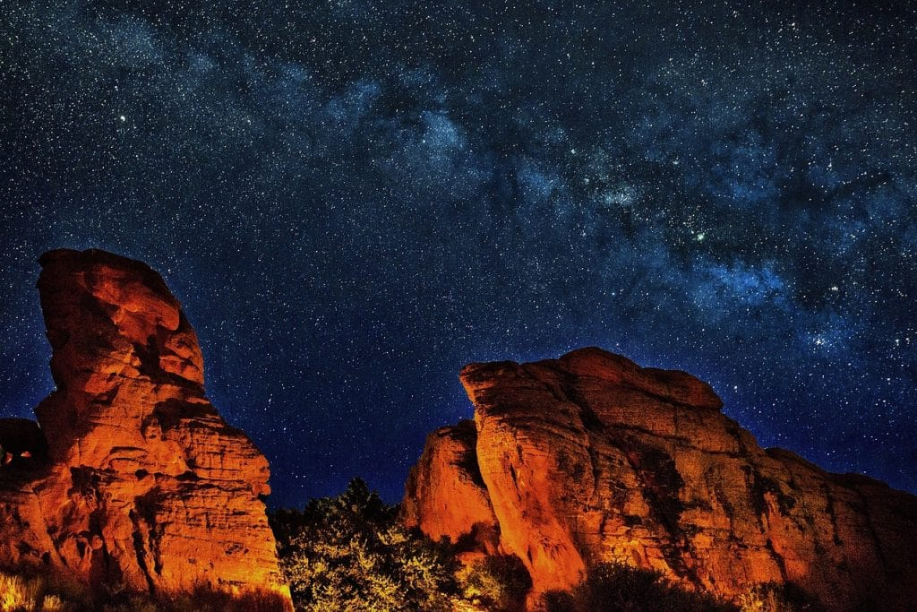 stargazing in arizona is a romantic getaway for honeymooners