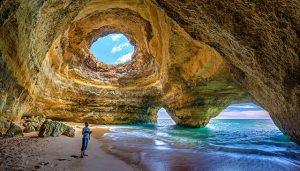caves in portugal