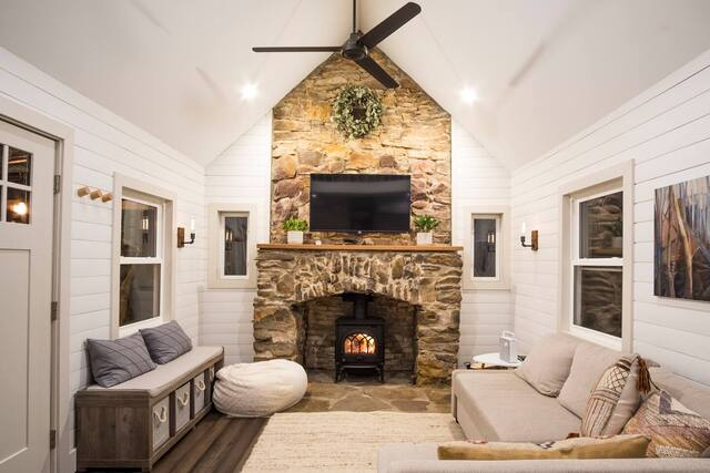Dunlap Hollow Romantic Cottage living room with fireplace