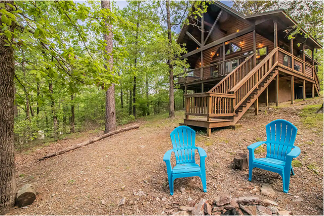 Broken Bow Couples' Cabin exterior fire pit