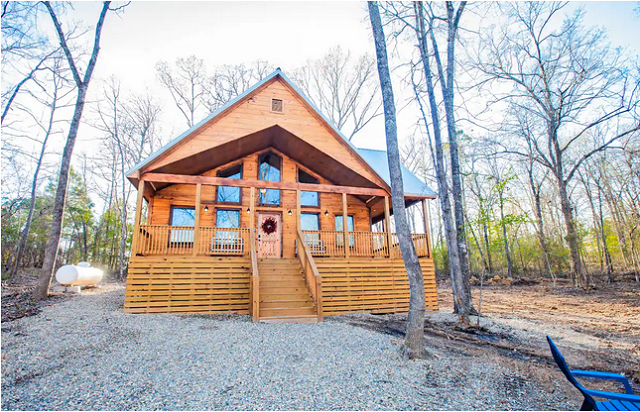 Magnolia Retreat Cabin in Broken Bow exterior