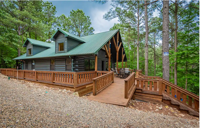 Serene Cabin in Broken Bow exterior