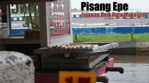 Pisang Epe usually sold near Losari beach.