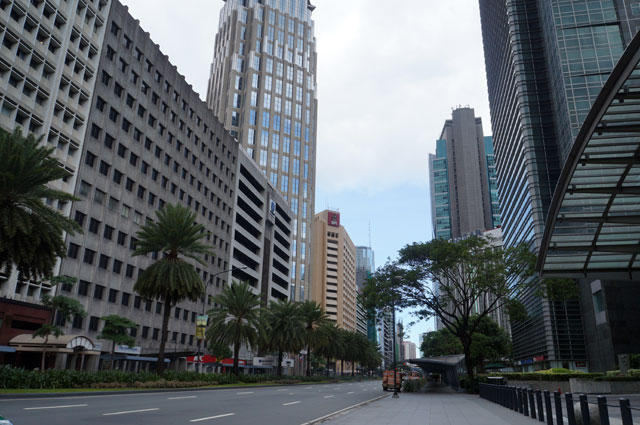 It was very enjoyable walking around Makati District. Just be aware that Metro Manila have very hot weather. Use the right suit when walking around the city.