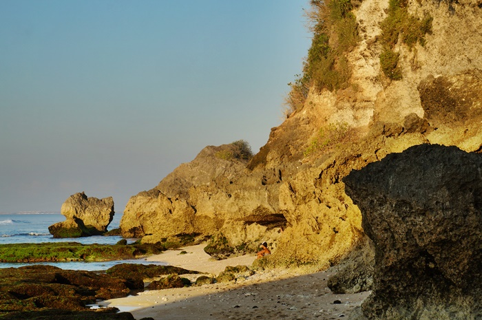 There are many high cliffs in Suluban beach A.K.A Blue Point Beach!
