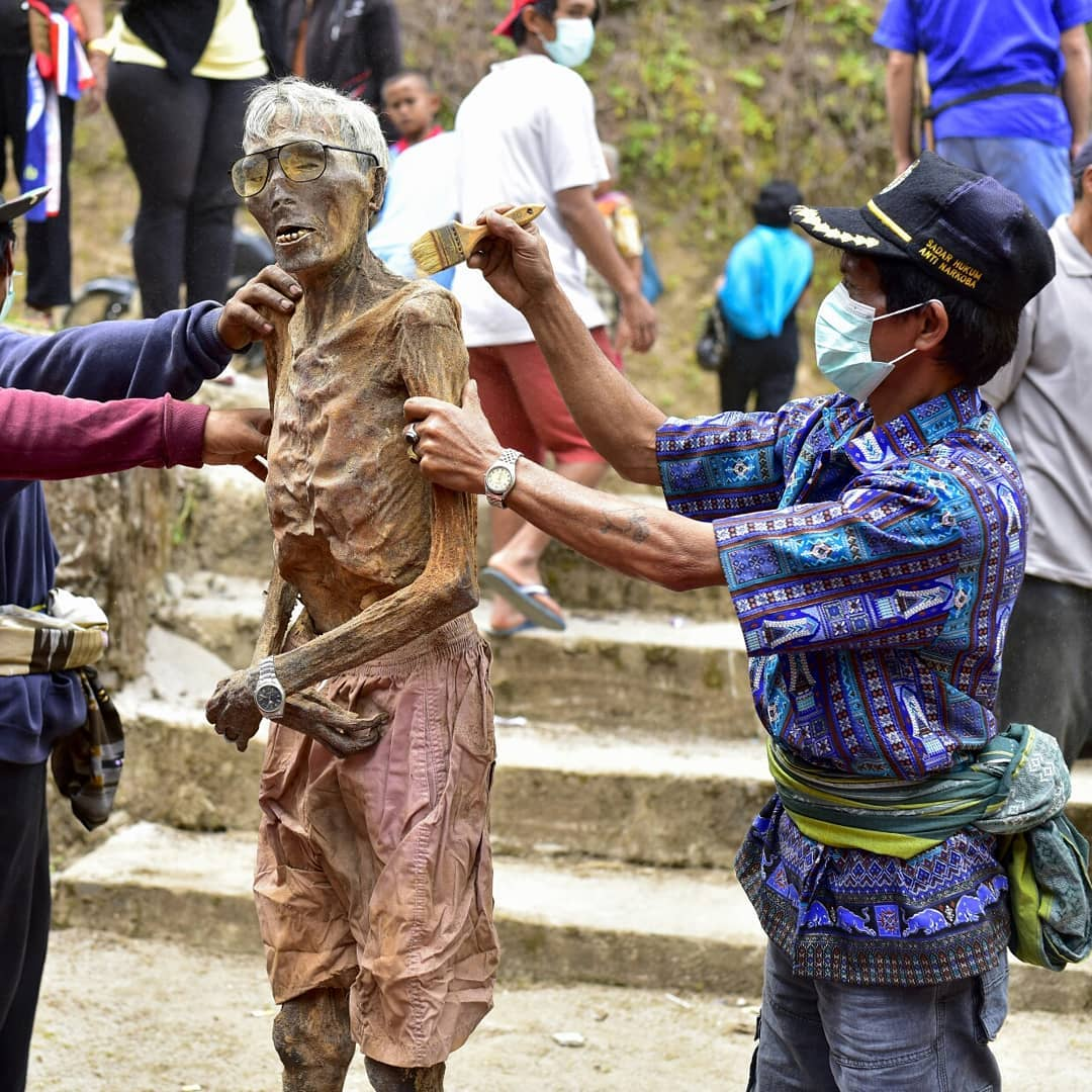 So you want to visit Toraja and see Ma'nene Ritual Tradition by yourself now! via @hexenkult