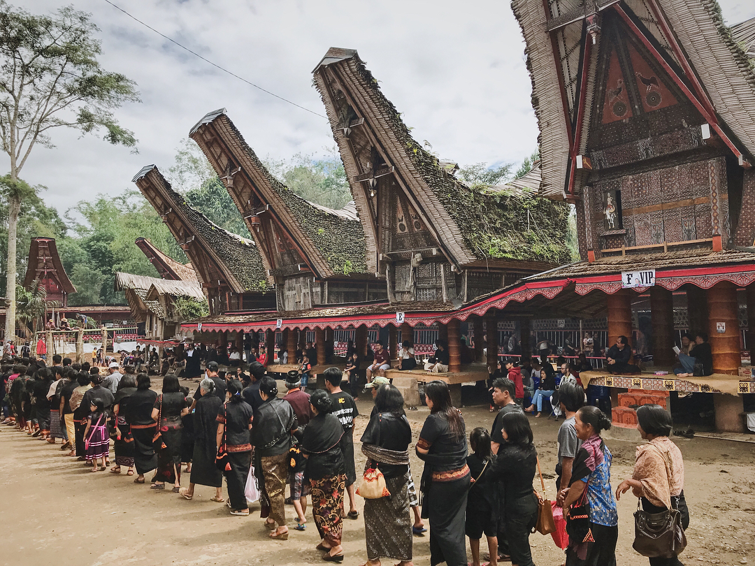You have to visit this place at the right time, to see Rambu Solo ritual,special Tana Toraja funeral ceremony! via @_arotz