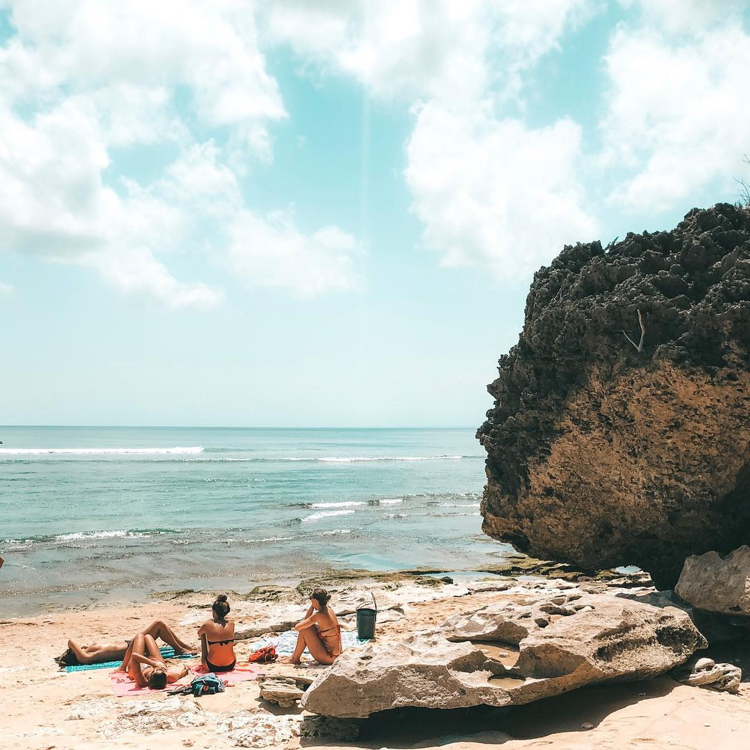 5. Bingin Bali hidden beach! via @lauracook_design