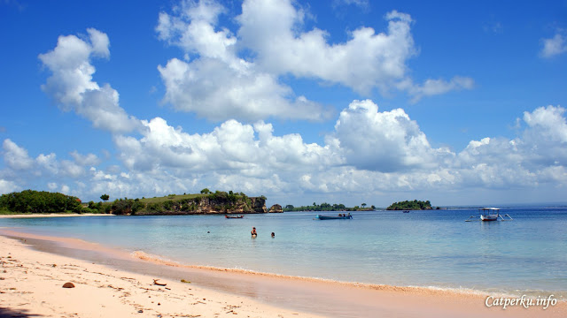 """The """"pink"""" word from Pink Beach Lombok make everyone curious about this east lombok beach."""