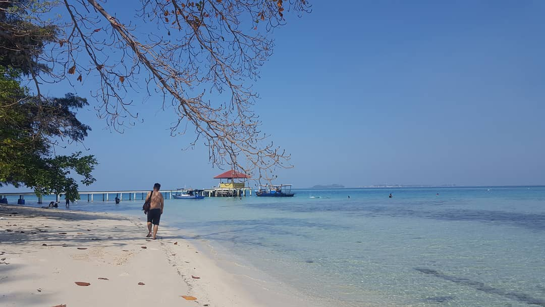9. Thousand Islands Jakarta day trip Destination : Semak Daun Island! via @tiffanikoe
