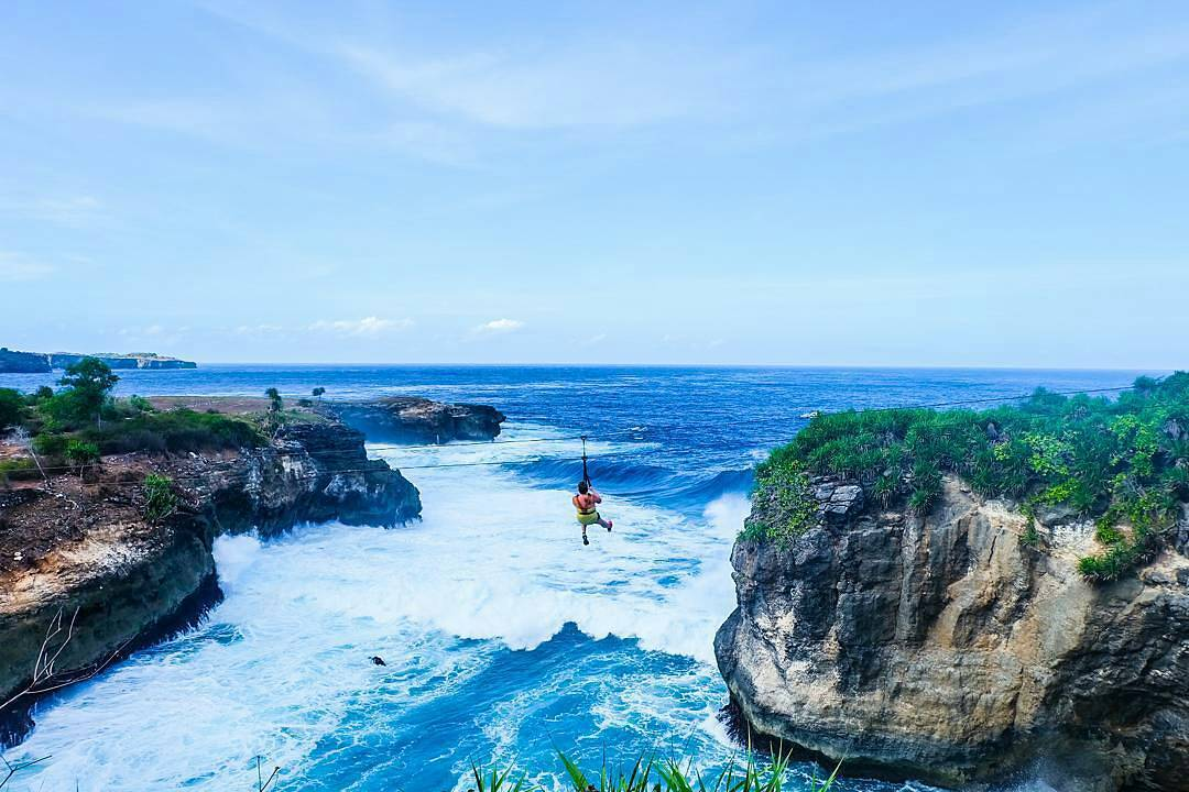 At this Abyss Zipline you can challenge yourself by sliding using a zipline from a cliff with views of the ocean below you.