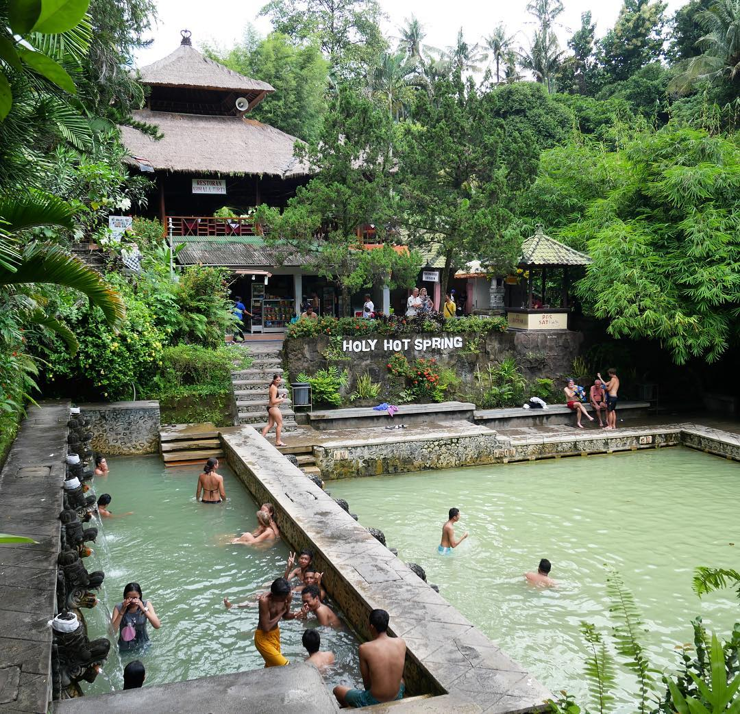 Banjar Hot Springs! via @absolumonde