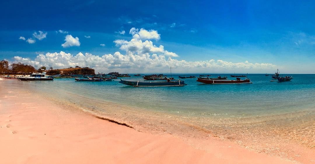 Of the many beaches in Lombok, these are some best Lombok Beach that you can visit! via @_sclarkk