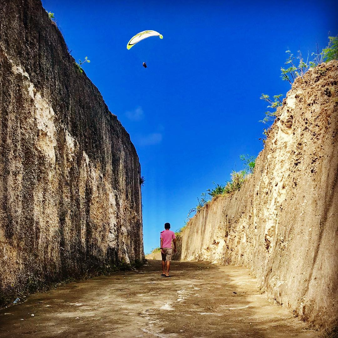 The beach address of Gunung Payung Beach Bali is in the village of Kutuh, a sub-district of South Kuta! via @traveler99paradise