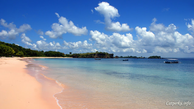 In this Pink Beach Lombok, besides being able to find pink sand, you can also do snorkeling.