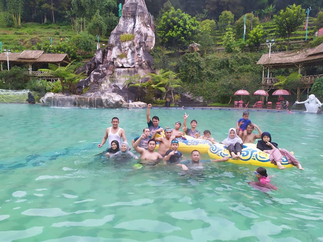 Ciwidey Valley Hot Spring Waterpark Resort Bandung Things To Do : Explore 61 Best Bandung Tourist Attraction!