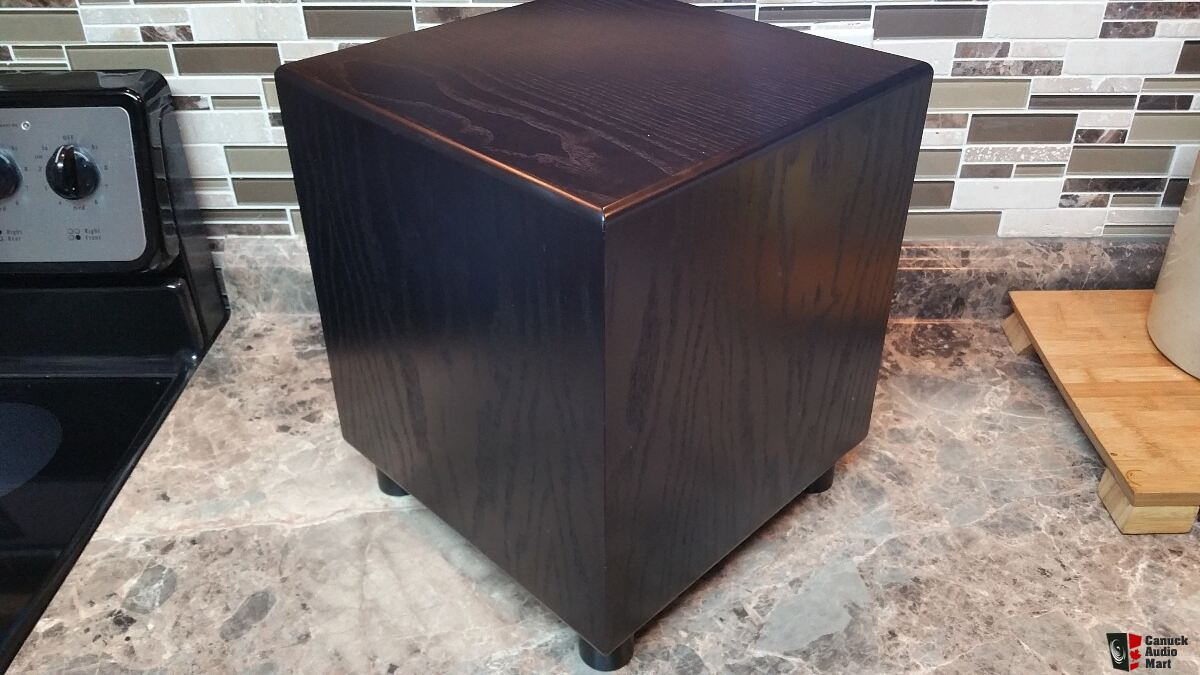 MJ Acoustics Reference 200 Walnut