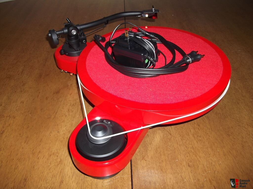 Pro-Ject RPM 3 Carbon Red (2M Silver)