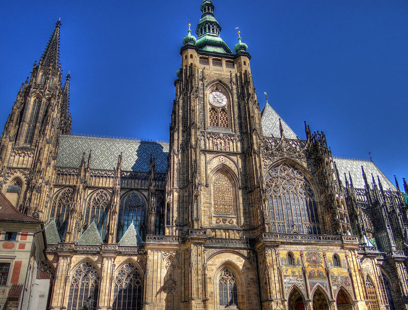 """Фото <a href=""""https://www.flickr.com/photos/96264617@N08/8988244060/"""">Yannick Loriot, Saint Vitus Cathedral</a>, <a href=""""https://creativecommons.org/licenses/by/2.0/"""">(CC BY 2.0) </a>"""
