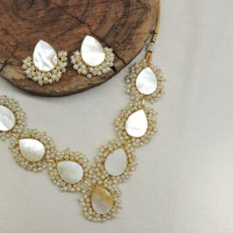 Stylish MOP Paan Shape Gold Plated Necklace With Studs 1