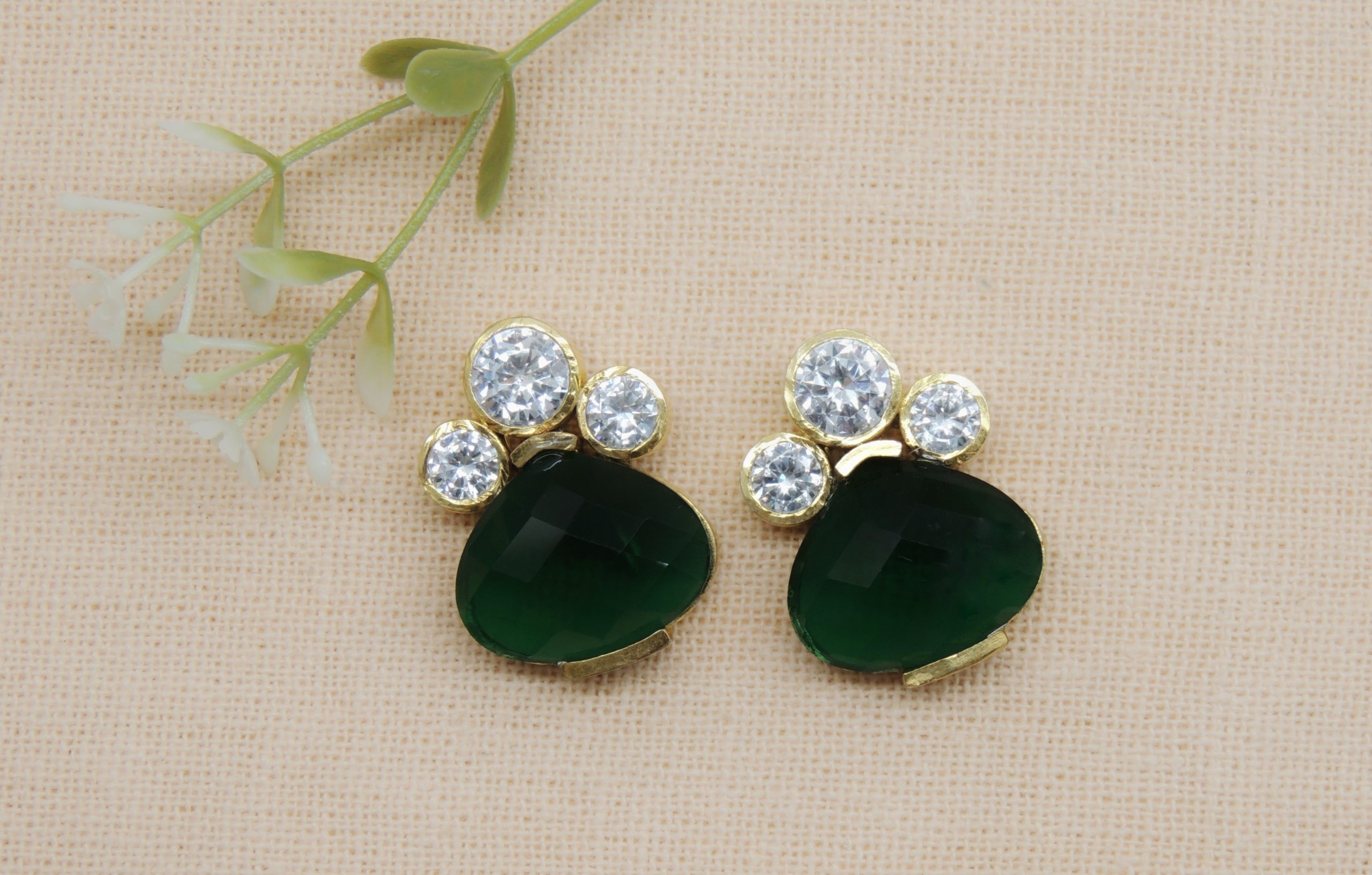 Traditional Emerald Colour Stone Earring