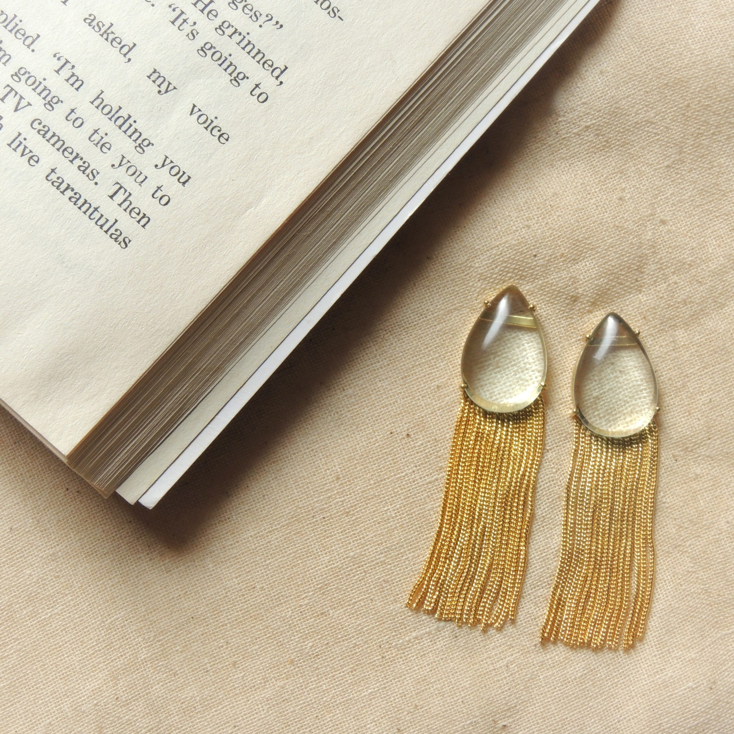 Western White Transparent Chain Earring 1