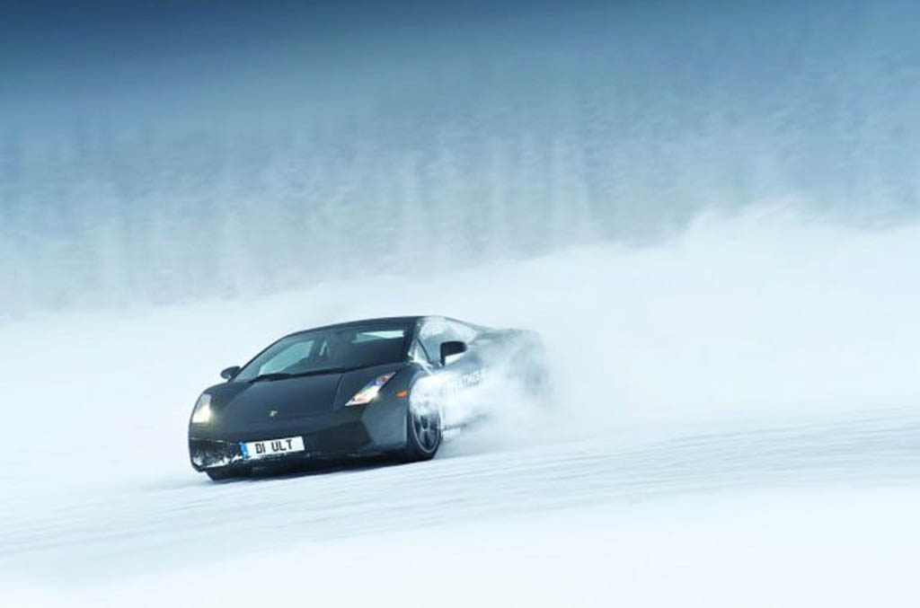 Super CAr Driving On Ice, Lapland