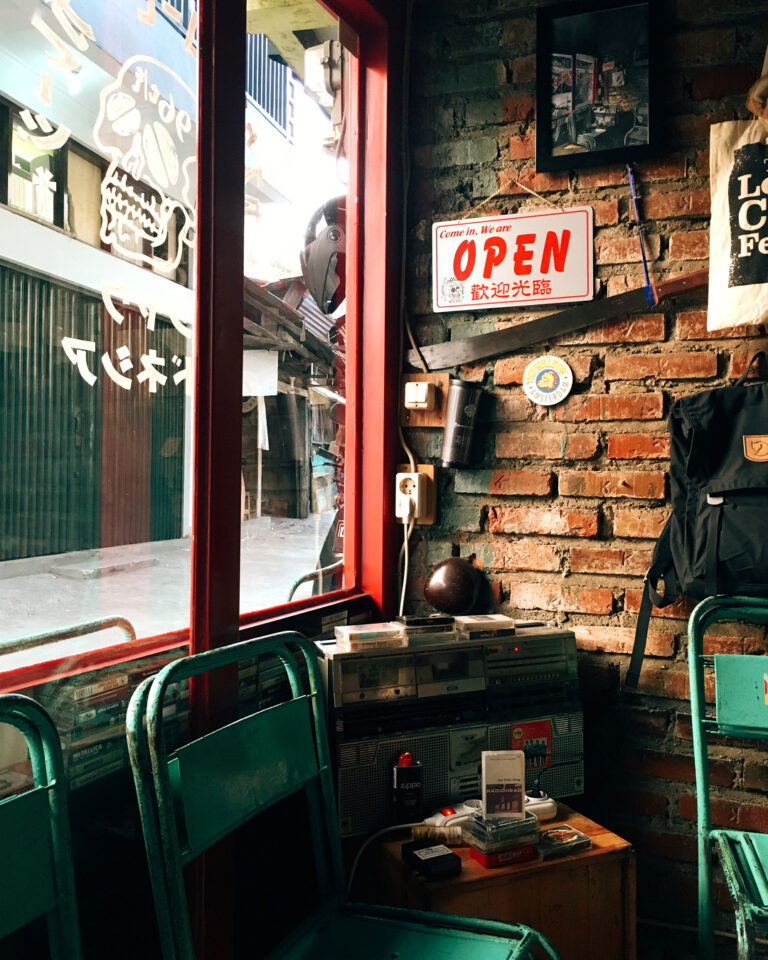 #eb_review Name any coffee shop in Bandung, we bet our team has been there for q...