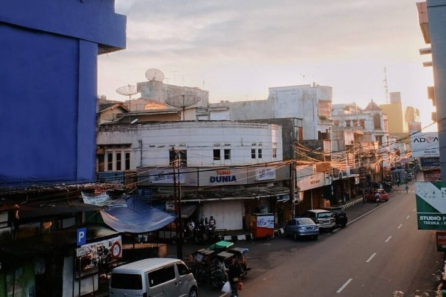 A rare perspective of Jl. Ahmad Yani well captured by  #exploresukabumi...