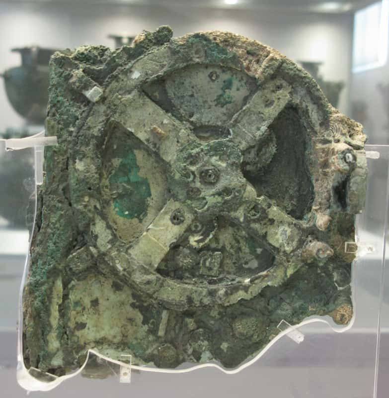 The Antikythera Mechanism. By Tilemahos Efthimiadis from Athens, Greece [CC-BY-2.0 (http://creativecommons.org/licenses/by/2.0)], via Wikimedia Commons