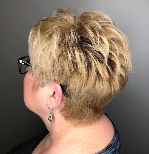 Because layers are famous for framing the wearer's face adding a volumnious hype … 50 Best Short Hairstyles And Haircuts For Women Over 60