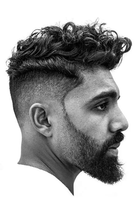 A great style that is curly in the mohawk fashion. Wnhpnaikgjm Xm