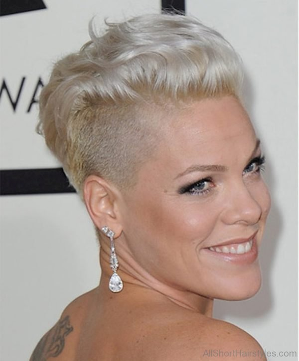It's often said that a woman's hair is her glory. 70 Adorable Short Undercut Hairstyle For Girls