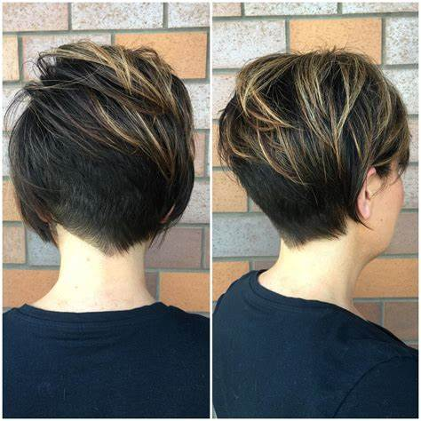 Looking for a hairstyle that gives major volume and leaves hair looking surprisingly full? 50 Best Short Hairstyles For Fine Hair 2021 Trends