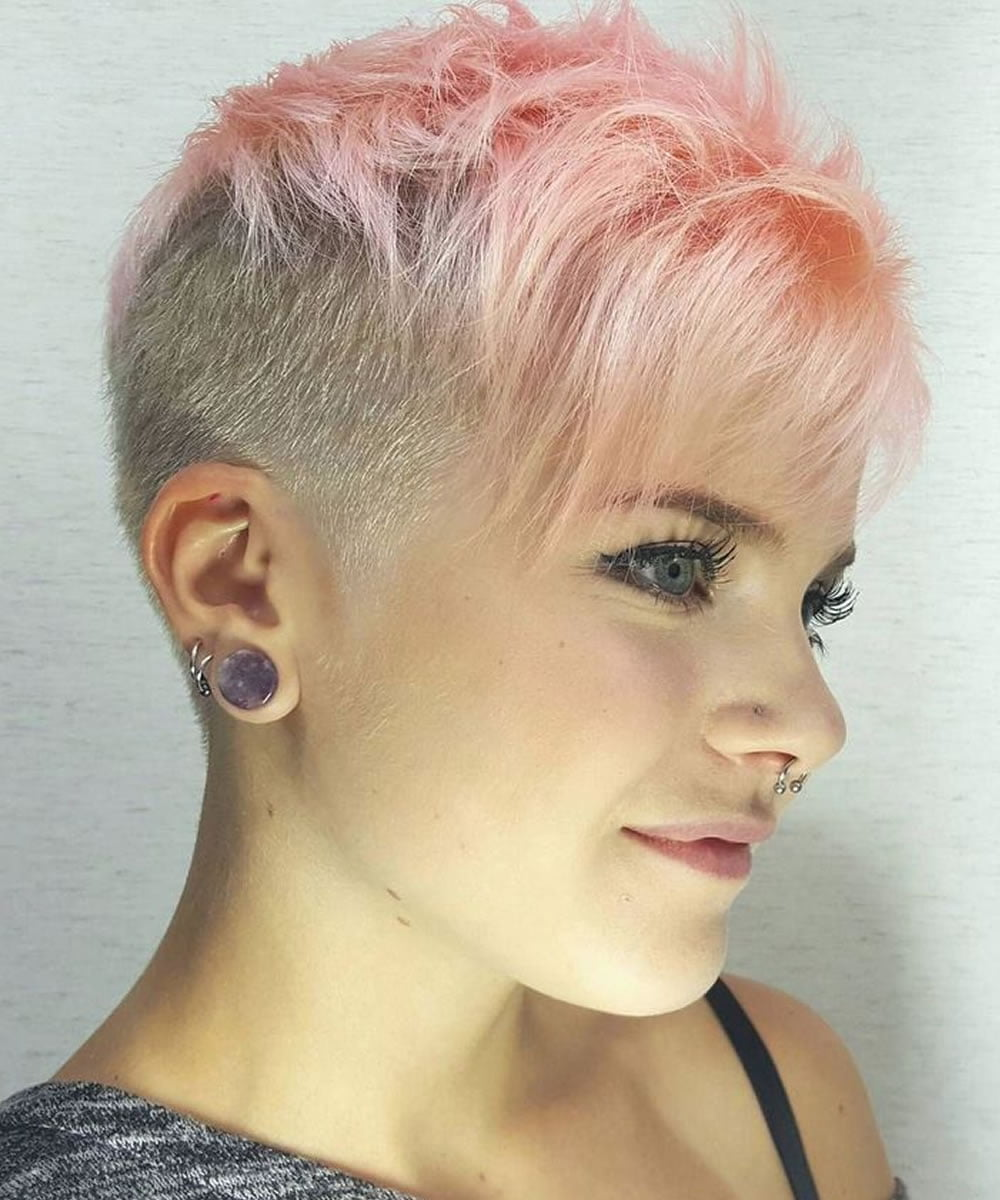 To flatter their look, they often go for hairstyles that are simple, elegant, classic and … 21 Womens Short Undercut Hairstyle