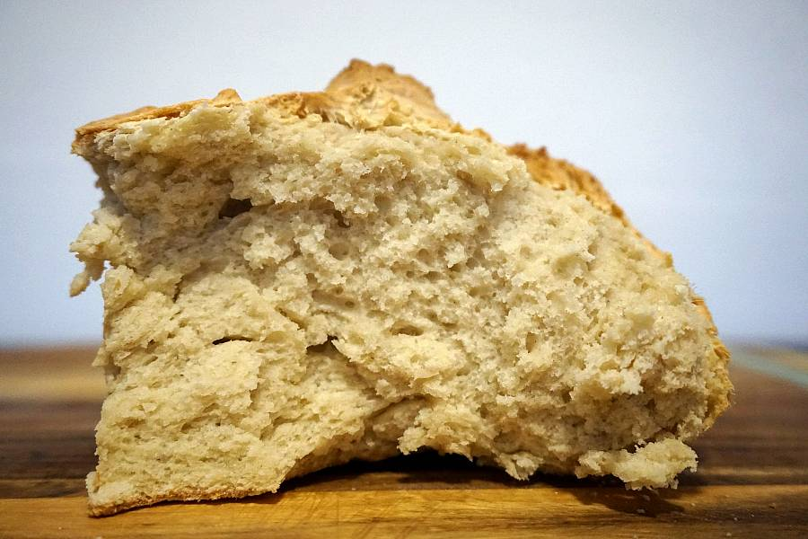 Soda Bread: how to make bread with just flour and water