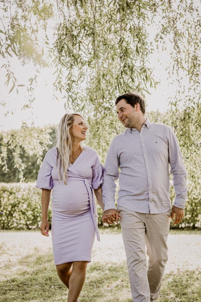 Maternity photo session with a couple