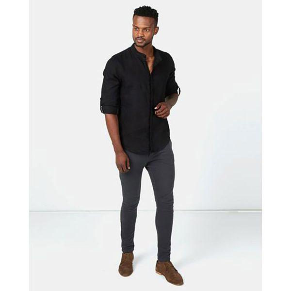 Concealed Stand Linen Shirt - Black - Lifestyle shot