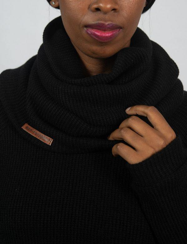 Funnel Scarf - Black Knit - Detail