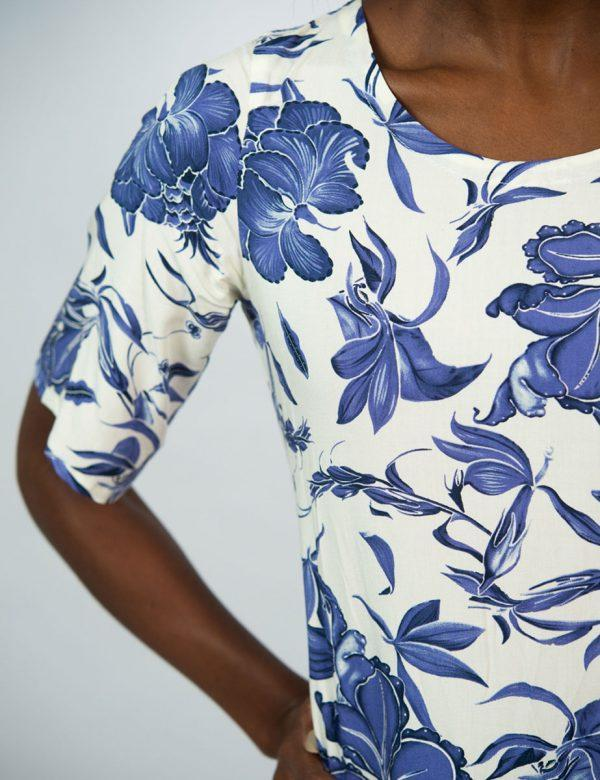 Trendy Tee Dress - Delft Foliage - Sleeve detail