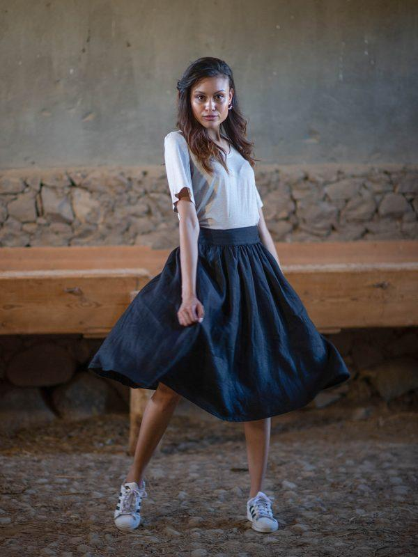 Waistline Linen Skirt - Black - Lifestyle shot 2