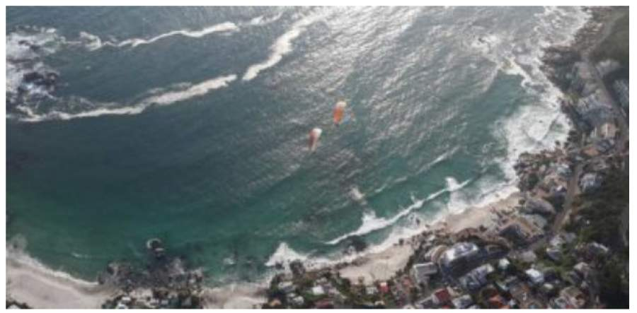 Fly Cape Town Paragliding Offers Expert Guided Paragliding Tour Packages.