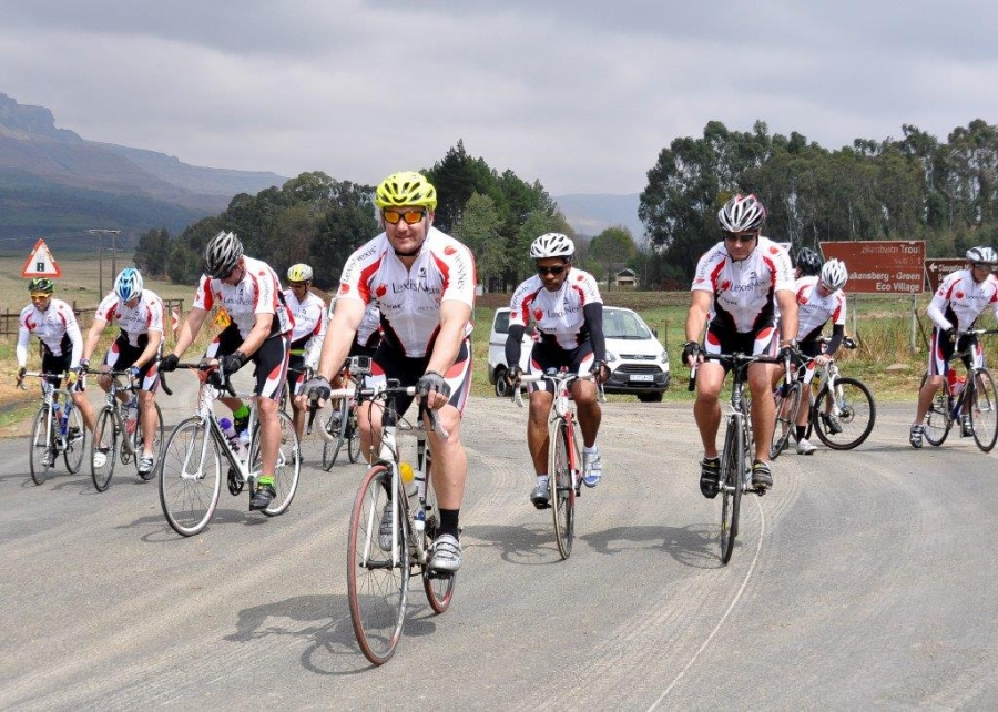 The LexisNexis South Africa Cycle Against Trafficking Challenge raised R130 000 for anti-human trafficking organisations Mercy House in Johannesburg, Open Door Crisis Centre in Durban and Molo Songololo in Cape Town, thanks to the efforts of 11 volunteer cyclists who rode more than 200 kilometres from the Drakensberg to Durban recently.