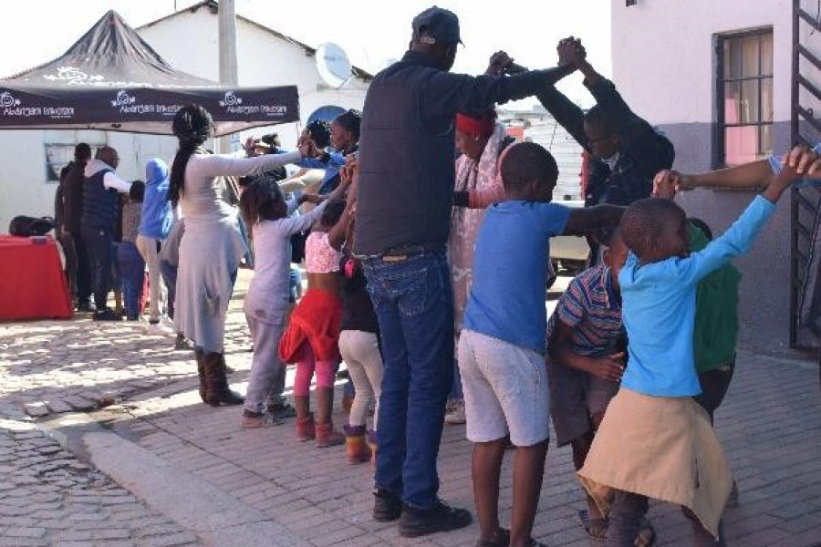 Caption: Cyril Ramaphosa Education Trust (CRET) students, alumni and staff volunteering their time and bringing cheer to the children at the Abangeni Enkosini Orphanage in Alexandra as part of their 'Vacation Programme'.